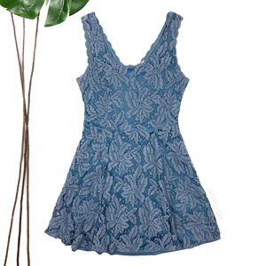 Francesca's Alya Blue Lace Flare Sleevless Dress